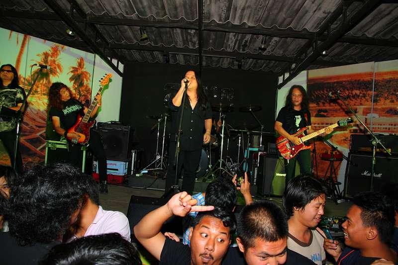 Bangsaen-The-Sun-10