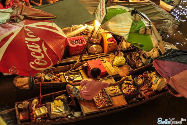 Amphawa floating market 01