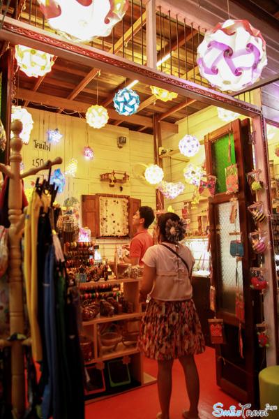 Amphawa floating market 09