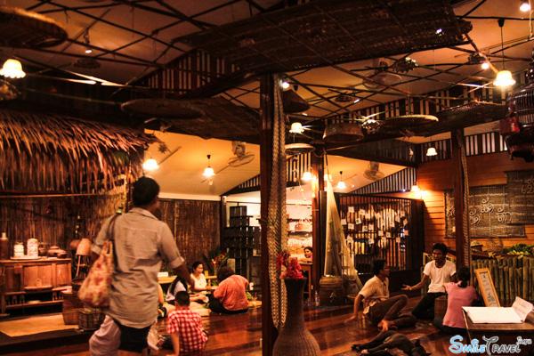 Amphawa floating market 15