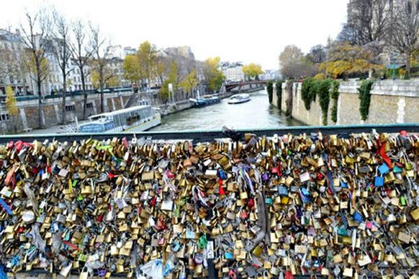 Lock Love 06